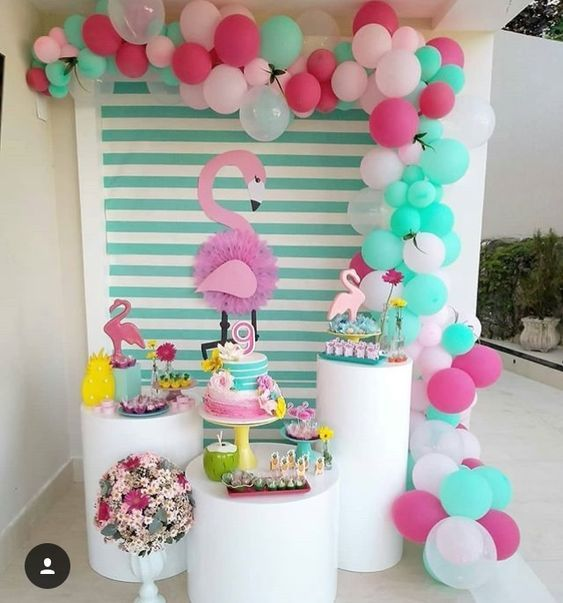 Ideas para la mesa de postres de una Fiesta tropical en tonos pastel