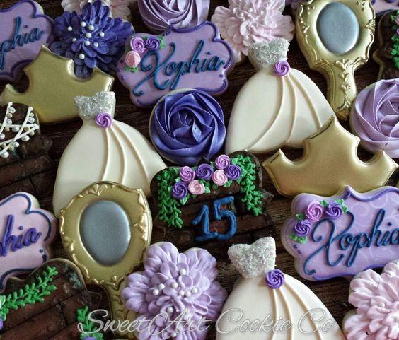 Galletas decoradas modernas mesa de dulces de 15