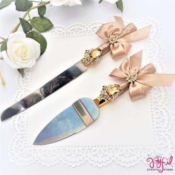 Cuchillos para pastel de quinceañera rosas
