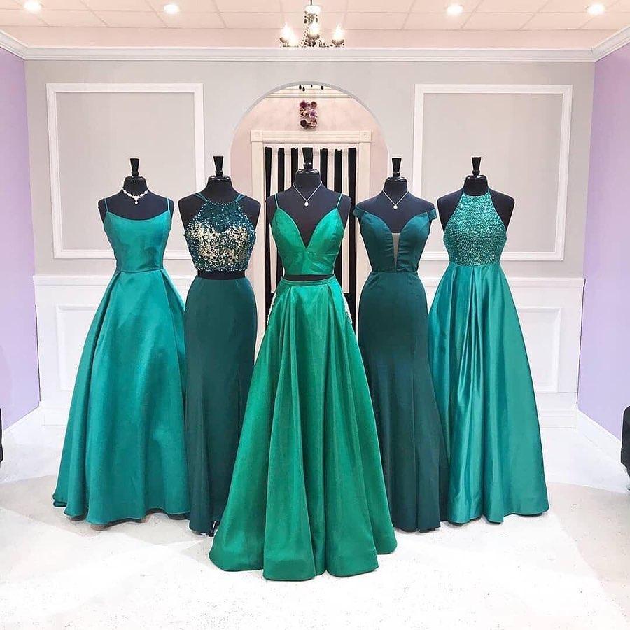 estilos de vestidos para madrinas de 15 años segun el color