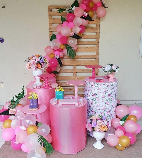 mesas cilindricas para decorar los quince años