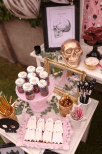 mesa de dulces para quince anos de halloween