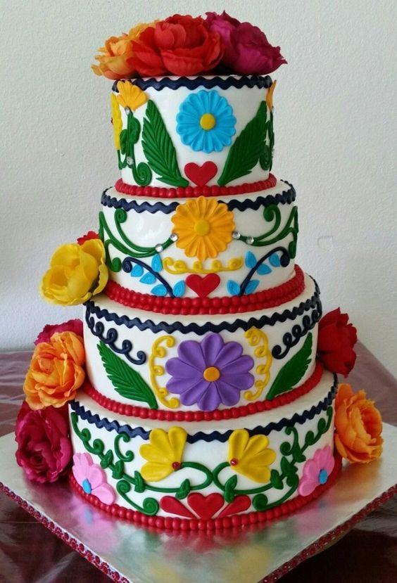 pastel para una fiesta de quince años mexicanos