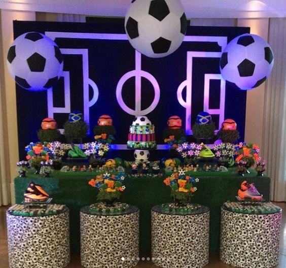 ideas para decorar unos xv años tematicos con detalles de futbol