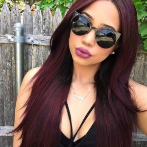 Ideas de como llevar el color cherry wine si tienes el cabello largo y lacio