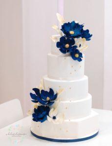 Pastel de XV años color del año clasic blue - Azul Clasico