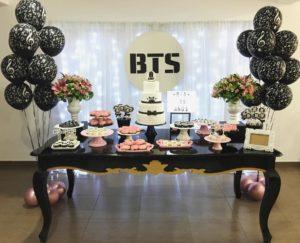 Mesa de dulces para fiesta de bts