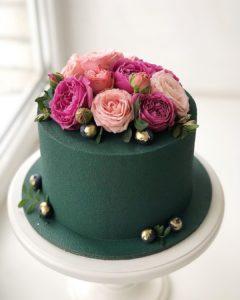 Pasteles sencillos para fiestas de quince años de un piso con flores