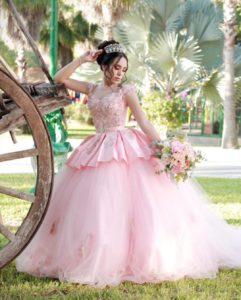 Vestidos para xv años tono rosa blush - con faldilla de encaje