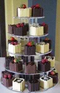 Pasteles cuadrados de chocolate para quinceañeras