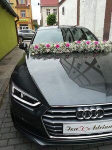 Arreglos florales para el carro de la quinceañera