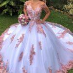 Que el vestido de las damas combine con tu vestido de xv años